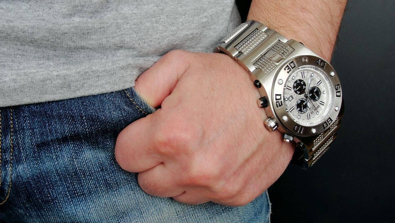 часы женские наручные с камушками