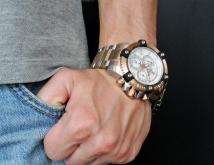 invicta 13716 arsenal swiss made chronograph